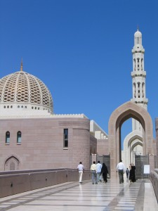 9_Grand Mosque - heading into prayer