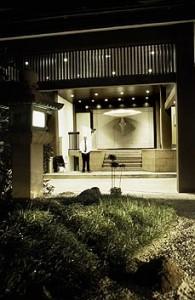 img-entrancenight